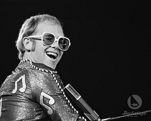 Elton John Had No Less Than Seven Consecutive Number 1 Albums During His Glory Years.